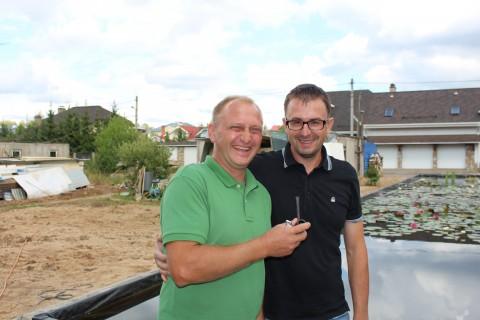 Вячеслав и Любомир позируют